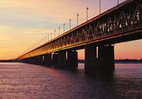 Реконструированный мост через реку Амур